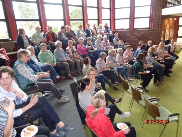 Landfrauen Wittingen - Bücherabend - viele Gäste