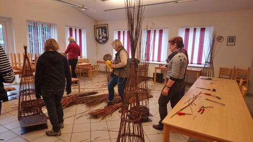 Landfrauen Wittingen - Kurs Weidenflechten 2019